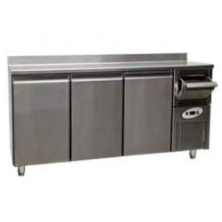 Altomostrador o mueble cafetero refrigerado CT 630 - 3 puertas