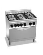 Cocina industrial eléctrica o a gas con mueble soporte inferior, con o sin horno